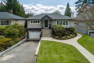Photo 1: 549 W 22ND Street in North Vancouver: Central Lonsdale House for sale : MLS®# R2566829