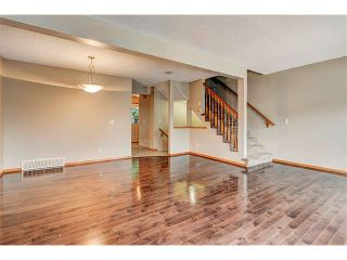 Photo 12: 462 REGAL Park NE in Calgary: Renfrew_Regal Terrace House for sale : MLS®# C4019650