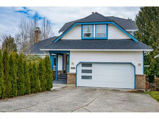 "Photo 1: 6048 191A Street in Surrey: Cloverdale BC House for sale in ""Latimer"" (Cloverdale)  : MLS®# R2547585"