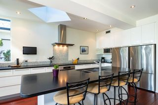 Photo 3: 1008 W KEITH Road in North Vancouver: Pemberton Heights House for sale : MLS®# R2344998