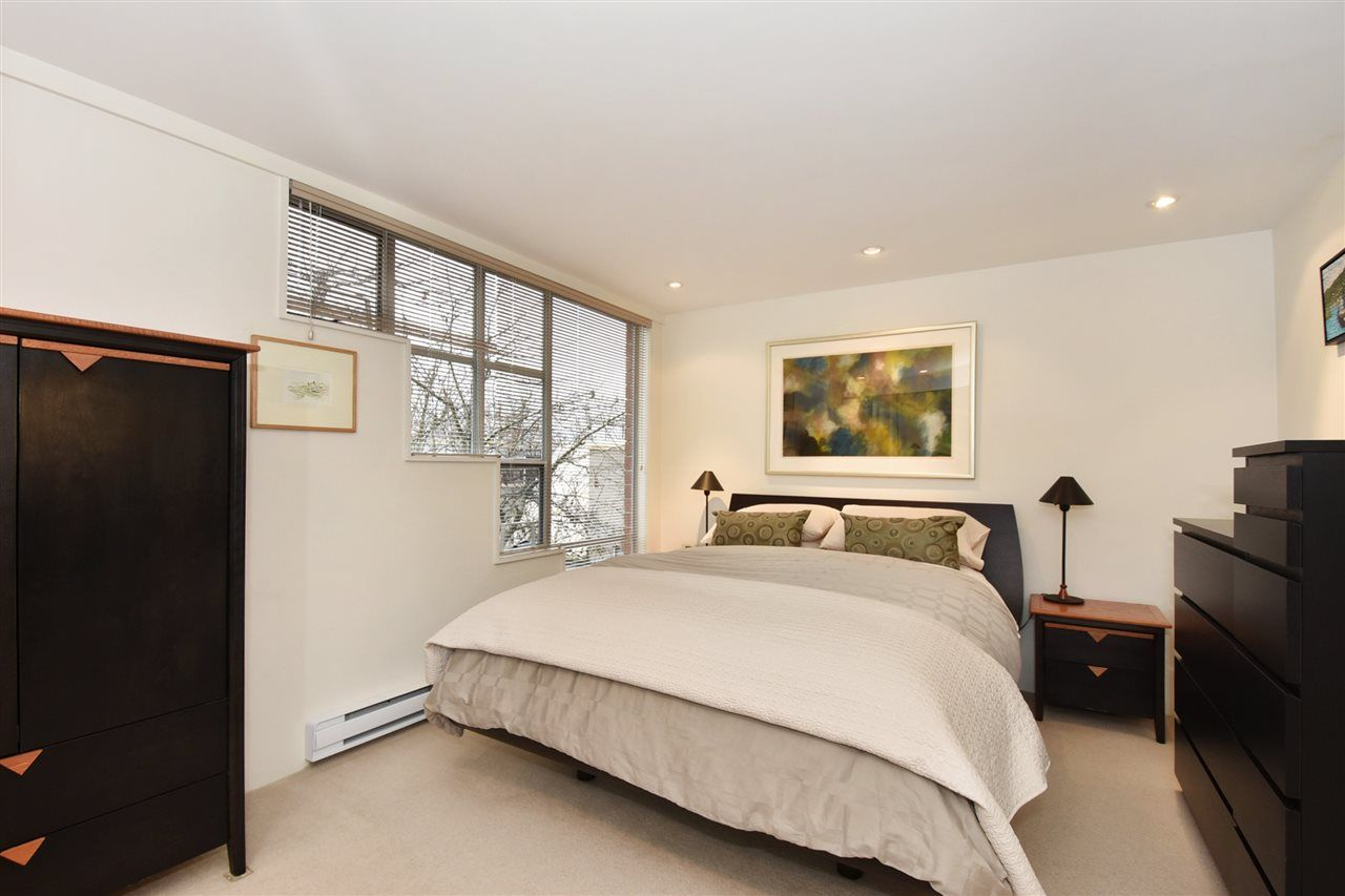 """Photo 16: Photos: 2311 OAK Street in Vancouver: Fairview VW Townhouse for sale in """"OAKVIEW TERRACE"""" (Vancouver West)  : MLS®# R2151089"""