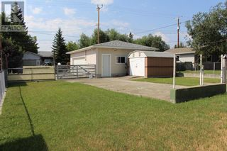 Photo 3: 728 McDougall Street in Pincher Creek: House for sale : MLS®# A1142581