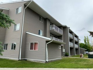 Photo 2: 32 Units 1825 &1833 Coteau Avenue in Weyburn: Multi-Family for sale : MLS®# SK818584