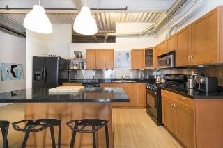 """Photo 11: 210 237 E 4TH Avenue in Vancouver: Mount Pleasant VE Condo for sale in """"ARTWORKS"""" (Vancouver East)  : MLS®# R2239279"""