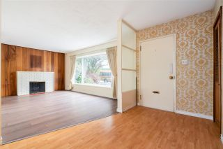 """Photo 2: 1259 DOGWOOD Crescent in North Vancouver: Norgate House for sale in """"NORGATE"""" : MLS®# R2576950"""