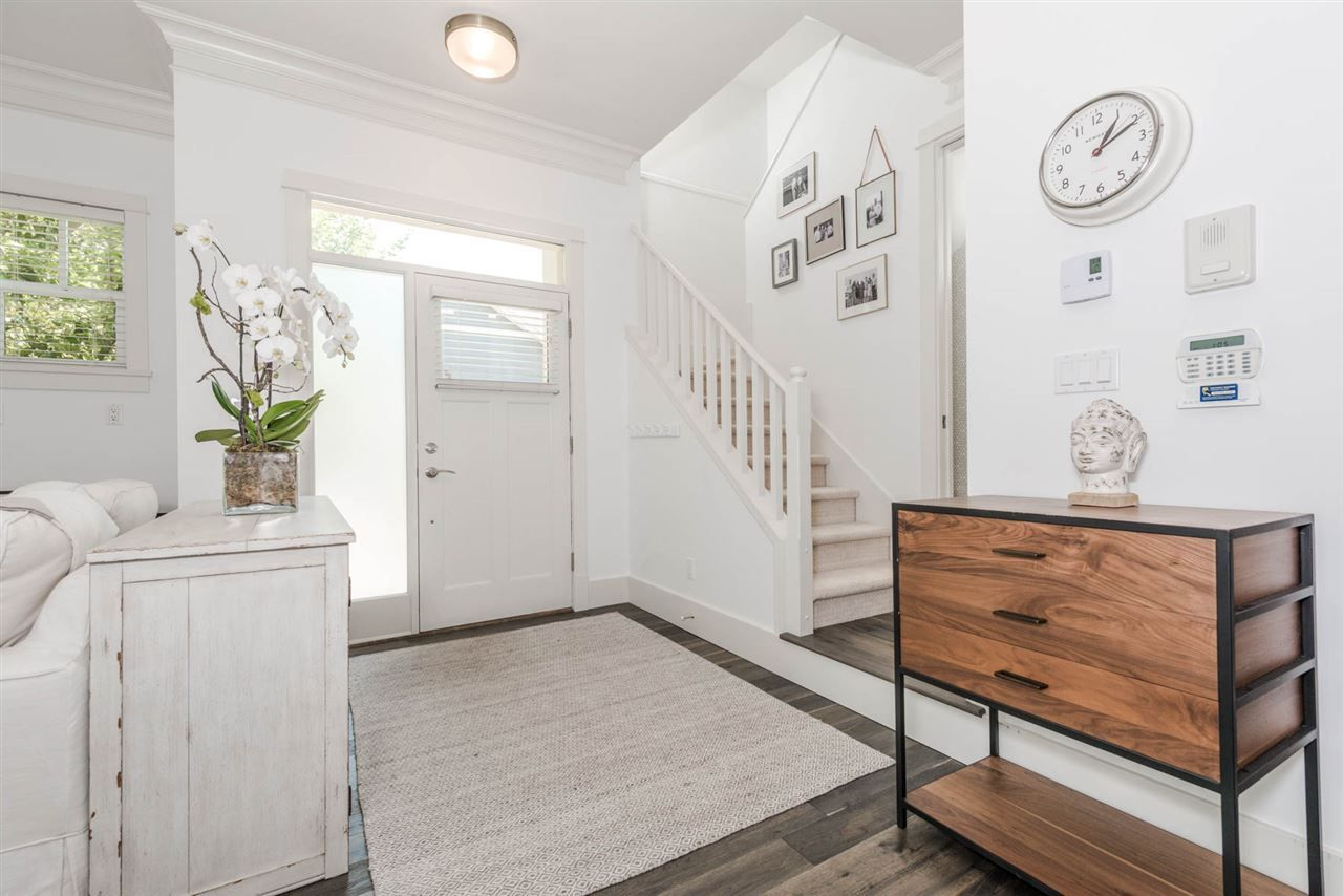 """Photo 3: Photos: 3175 YUKON Street in Vancouver: Mount Pleasant VW 1/2 Duplex for sale in """"Heritage at Cambie Village"""" (Vancouver West)  : MLS®# R2189433"""