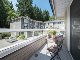 "Photo 2: 61 181 RAVINE Drive in Port Moody: Heritage Mountain Townhouse for sale in ""VIEWPOINT"" : MLS®# R2188868"