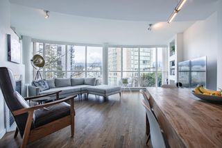 Photo 3: 403 1888 ALBERNI STREET in Vancouver: West End VW Condo for sale (Vancouver West)  : MLS®# R2443357