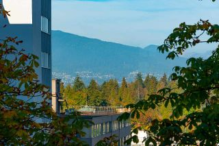 """Photo 14: 501 1960 ROBSON Street in Vancouver: West End VW Condo for sale in """"Lagoon Terrace"""" (Vancouver West)  : MLS®# R2528617"""