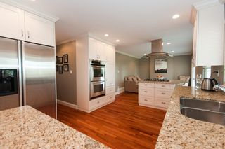 Photo 11: 14490 16A Avenue in South Surrey: Home for sale : MLS®# F1015769