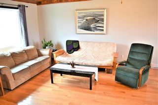 Photo 4: 2 Westview Drive in Lac Du Bonnet RM: R28 Residential for sale : MLS®# 202109975