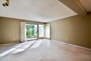 """Photo 3: 17 9971 151 Street in Surrey: Guildford Townhouse for sale in """"Spencer's Gate"""" (North Surrey)  : MLS®# R2111664"""