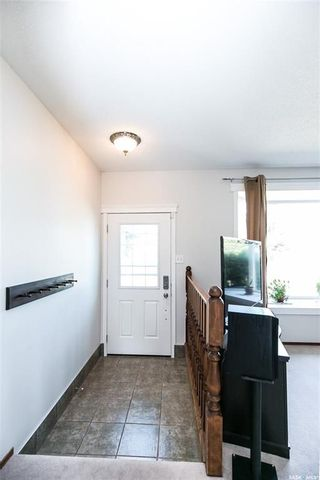 Photo 4: 506 Hall Crescent in Saskatoon: Westview Heights Residential for sale : MLS®# SK737137