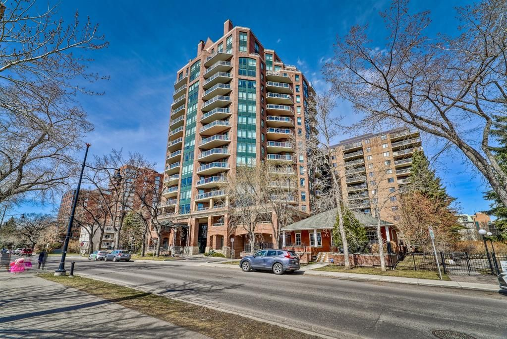 Main Photo: 303 228 26 Avenue SW in Calgary: Mission Apartment for sale : MLS®# A1096803