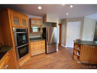 Photo 6: 3553 Desmond Dr in VICTORIA: La Walfred House for sale (Langford)  : MLS®# 635869