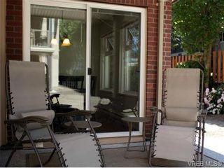 Photo 3: 101 835 Selkirk Ave in VICTORIA: Es Kinsmen Park Condo for sale (Esquimalt)  : MLS®# 735475