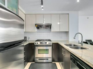 """Photo 10: 1603 2289 YUKON Crescent in Burnaby: Brentwood Park Condo for sale in """"WATERCOLOURS"""" (Burnaby North)  : MLS®# R2601005"""