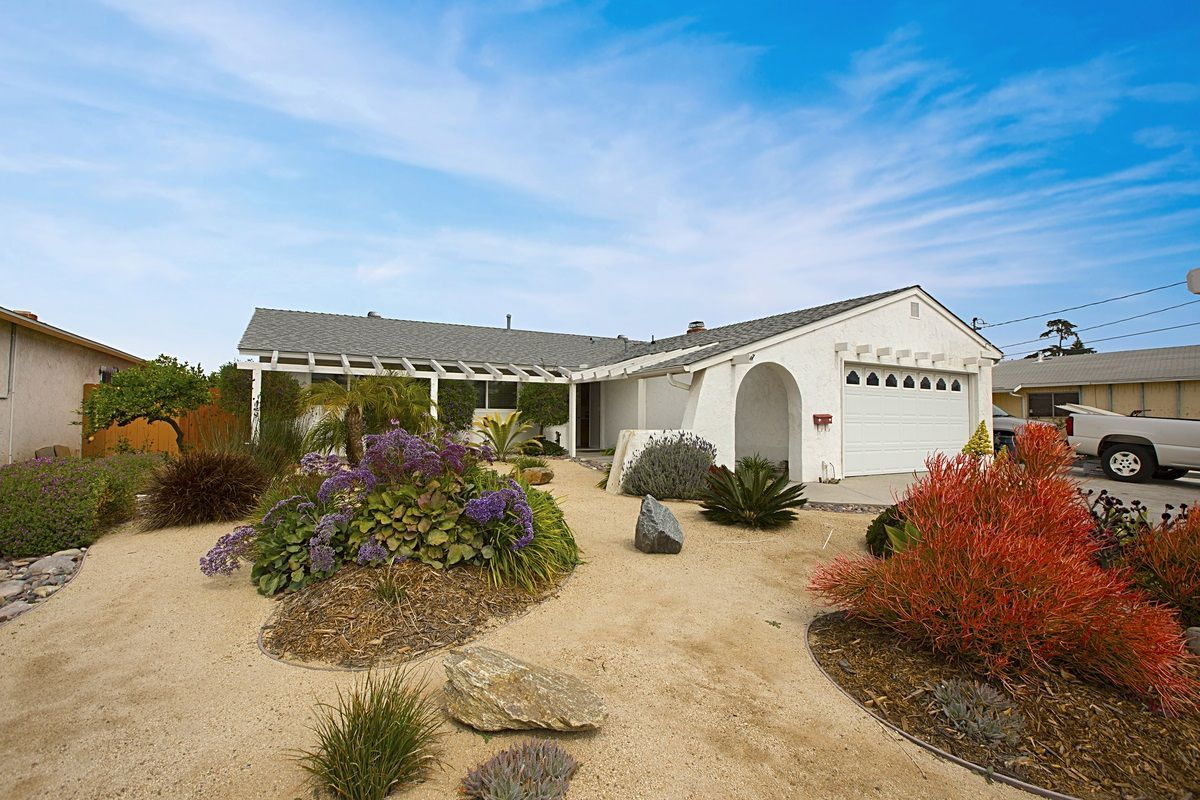 Main Photo: CLAIREMONT House for sale : 4 bedrooms : 7434 Ashford Pl in San Diego
