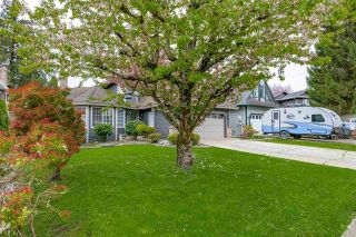 Photo 3: 10519 WOODGLEN Place in Surrey: Fraser Heights House for sale (North Surrey)  : MLS®# R2586813