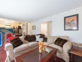 """Photo 19: 408 FERNHURST Place in Coquitlam: Coquitlam East House for sale in """"Dartmoor Heights"""" : MLS®# R2319741"""