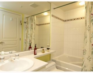 """Photo 8: 303 789 W 16TH Avenue in Vancouver: Fairview VW Condo for sale in """"SIXTEEN WILLOWS"""" (Vancouver West)  : MLS®# V774177"""