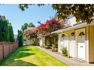 Photo 2: 4 19690 56 Avenue in Langley: Langley City Townhouse for sale : MLS®# R2596203