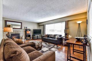 Photo 2: 27079 in Aldergrove: Aldergrove Langley House for sale ()  : MLS®# R2138345