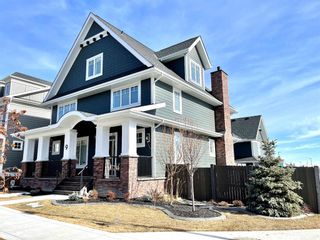 Photo 2: 9 Trasimeno Crescent SW in Calgary: Currie Barracks Detached for sale : MLS®# A1081880