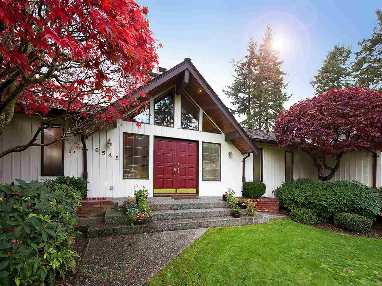 Main Photo: 6545 HILLSIDE CRESCENT in Delta: Sunshine Hills Woods House for sale (N. Delta)  : MLS®# R2014396