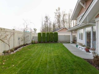 """Photo 19: 65 17516 4TH Avenue in Surrey: Pacific Douglas Townhouse for sale in """"Douglas Point"""" (South Surrey White Rock)  : MLS®# F1427072"""