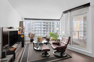 """Photo 4: 1210 68 SMITHE Street in Vancouver: Downtown VW Condo for sale in """"ONE Pacific"""" (Vancouver West)  : MLS®# R2405438"""