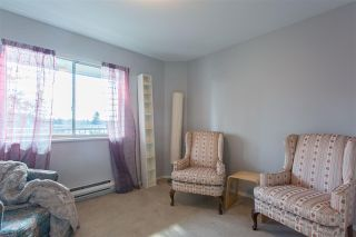 """Photo 9: 304 5450 208 Street in Langley: Langley City Condo for sale in """"Montgomery Gate"""" : MLS®# R2410335"""