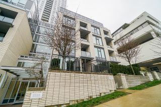 """Main Photo: 5652 ORMIDALE Street in Vancouver: Collingwood VE Townhouse for sale in """"WALL CENTRE CENTRAL PARK"""" (Vancouver East)  : MLS®# R2627949"""