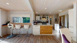 Photo 10: 6417 SAMRON Road in Sechelt: Sechelt District House for sale (Sunshine Coast)  : MLS®# R2536314