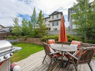 Photo 5: 45 Crestbrook Hill SW in Calgary: Crestmont Detached for sale : MLS®# A1141803