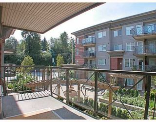 Photo 9: 205 3250 ST JOHNS Street in Port_Moody: Port Moody Centre Condo for sale (Port Moody)  : MLS®# V782636