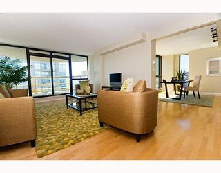 """Photo 2: 3202 1331 ALBERNI Street in Vancouver: West End VW Condo for sale in """"THE LIONS"""" (Vancouver West)  : MLS®# V660192"""