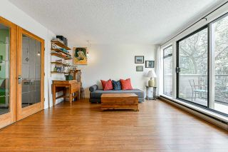 """Photo 4: 706 MILLYARD in Vancouver: False Creek Townhouse for sale in """"Creek Village"""" (Vancouver West)  : MLS®# R2550933"""