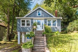 Photo 1: 441 St Margarets Bay Road in Halifax: 8-Armdale/Purcell`s Cove/Herring Cove Residential for sale (Halifax-Dartmouth)  : MLS®# 202123173