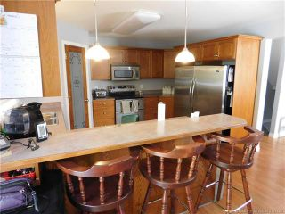 Photo 4: 730 Southeast 37 Street in Salmon Arm: Little Mountain House for sale (SE Salmon Arm)  : MLS®# 10153146