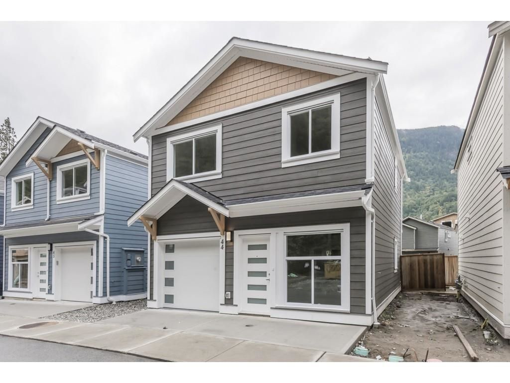 Main Photo: 44 750 HOT SPRINGS Road: Harrison Hot Springs House for sale : MLS®# R2622439
