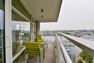 Photo 12: 2001 1199 MARINASIDE CRESCENT in Vancouver: Yaletown Condo for sale (Vancouver West)  : MLS®# R2202807