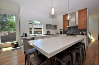Photo 9: 110 35 Street NW in Calgary: Parkdale House for sale : MLS®# C4123515