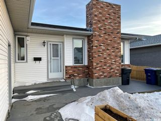 Photo 2: 338 Fehr Crescent in Martensville: Residential for sale : MLS®# SK848789