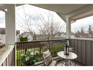"""Photo 10: 15 6036 164 Street in Surrey: Cloverdale BC Townhouse for sale in """"Arbour Village"""" (Cloverdale)  : MLS®# R2445991"""