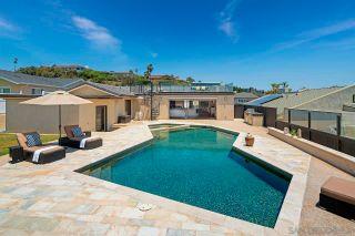 Photo 4: LA JOLLA House for sale : 4 bedrooms : 5510 Moonlight Ln