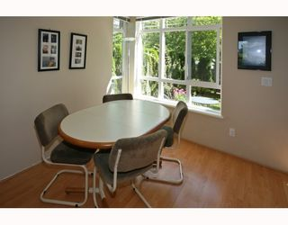 Photo 4: 3 15 FOREST PARK Way in Port_Moody: Heritage Woods PM Townhouse for sale (Port Moody)  : MLS®# V777400