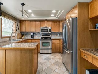 Photo 8: 23 SANDERLING Court NW in Calgary: Sandstone Valley Detached for sale : MLS®# A1035345