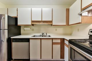 """Photo 11: 204 1460 MARTIN Street: White Rock Condo for sale in """"Capistrano"""" (South Surrey White Rock)  : MLS®# R2146095"""