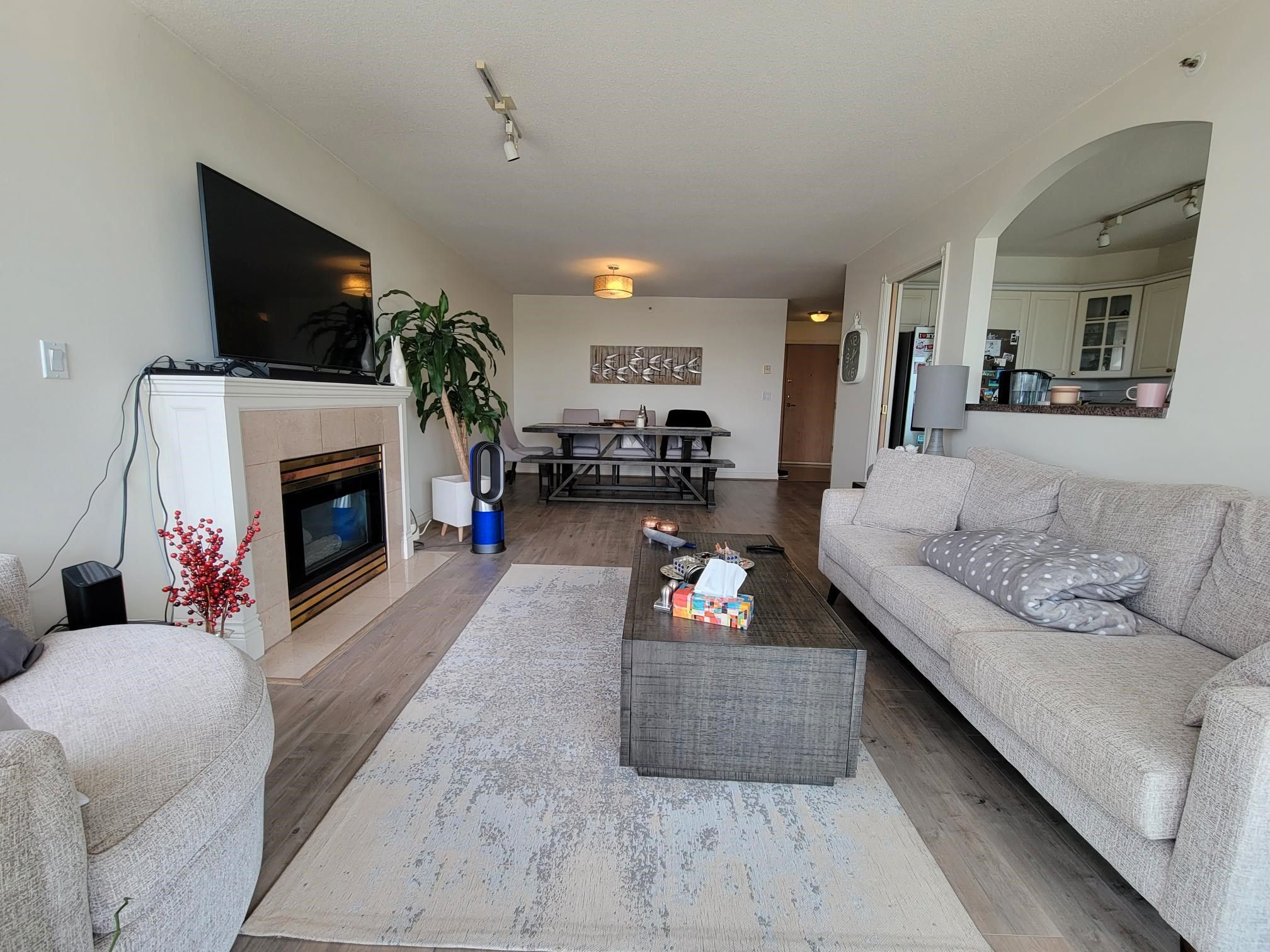 """Main Photo: 9C 328 TAYLOR Way in West Vancouver: Park Royal Condo for sale in """"WEST ROYAL"""" : MLS®# R2625618"""
